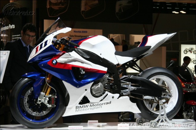 Video a web modelu BMW S1000RR