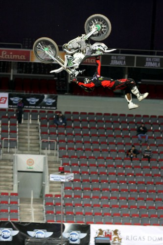 Night of the Jumps, Riga