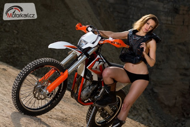 Radka a KTM Freeride 350