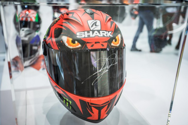 Eicma: Co na hlavu 2 – Shark, Schuberth, Shoei, Arai, HJC