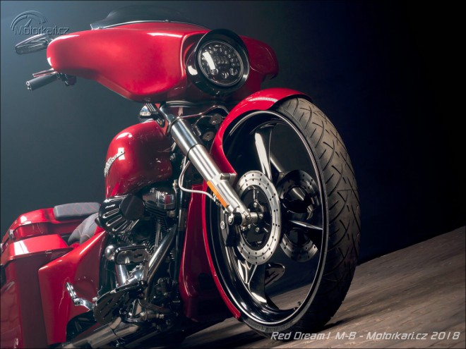 RED DREAM1 M-B od Bagger Custom Club