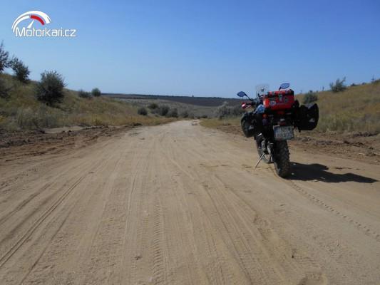 f0cd7e3004e3 Cestopisy na motorce Na východe nič nového... cestopis na motorce ...