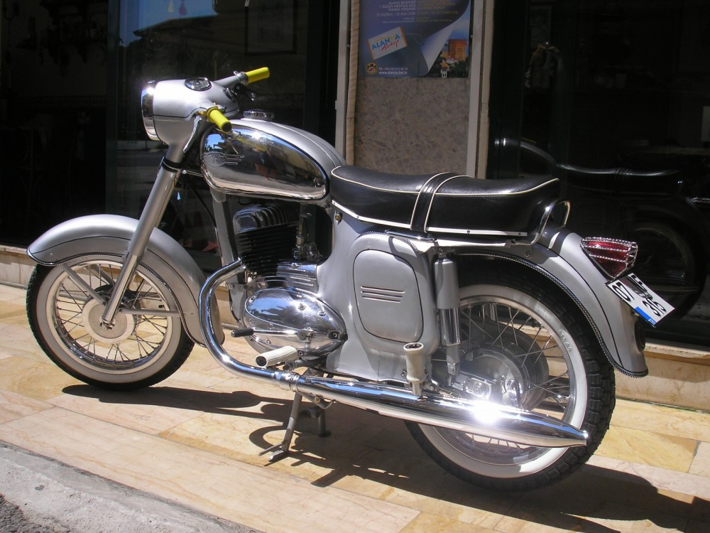 Jawa 250 559 Katalog Motocyklu A Motokatalog Na Motorkari Cz