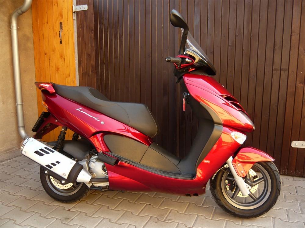 Motocyklů cz Na A Motokatalog Aprilia Motorkáři 250Katalog Leonardo iPkuOZX