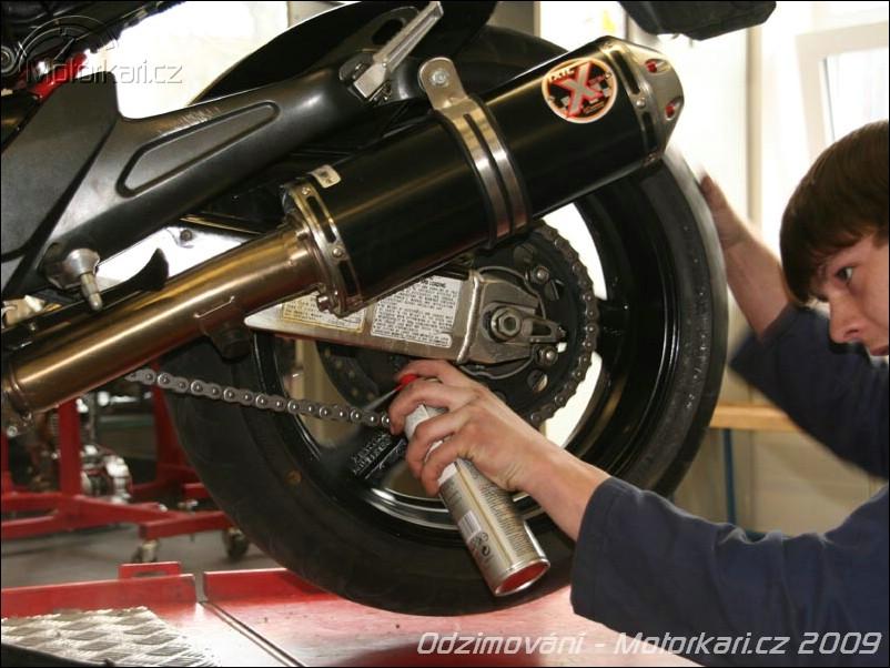 Tlak v pneu motorka