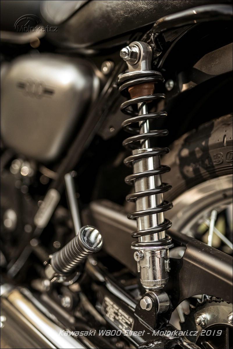Kawasaki W800 Street: Klasik moderní doby | Motorkáři cz